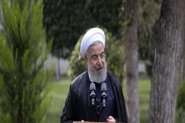 روحانی متشکریم؛ قدردانی از دولت با آگاهی از کاستیها