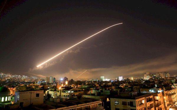 مقابله پدافند هوایی سوریه با اهداف متخاصم در حماه و لاذقیه